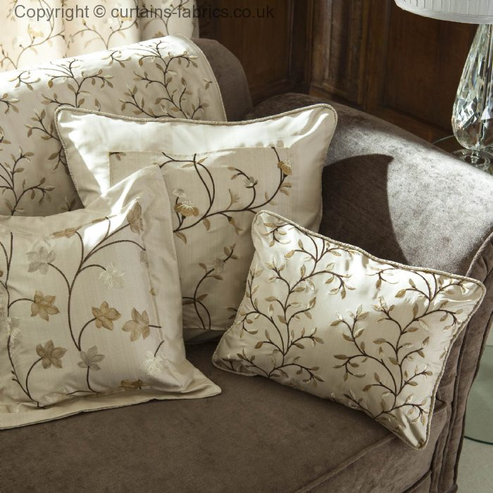 Eliza 3181 By Prestigious Textiles In A Cushion In Eliza
